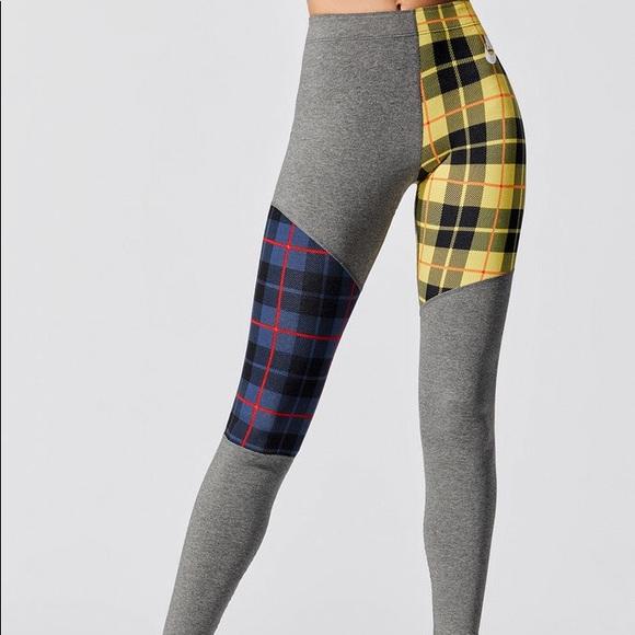 Women's Nike Sportswear Plaid Legging Size Medium